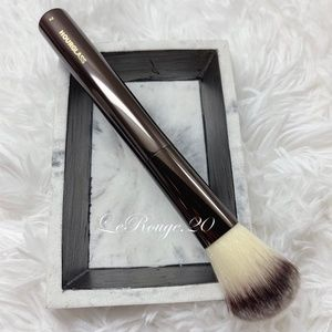 Hourglass #2 blush powder foundation brush